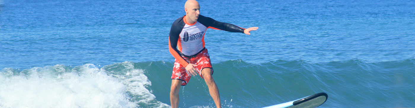 Costa Rica surfing lessons pay off for man riding his first wave